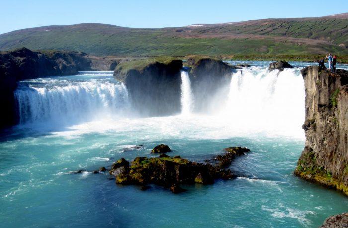 Водопад Годафосс в летний период