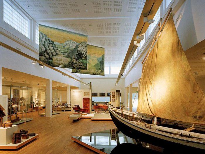 Экспонаты внутри Национального музея Исландии