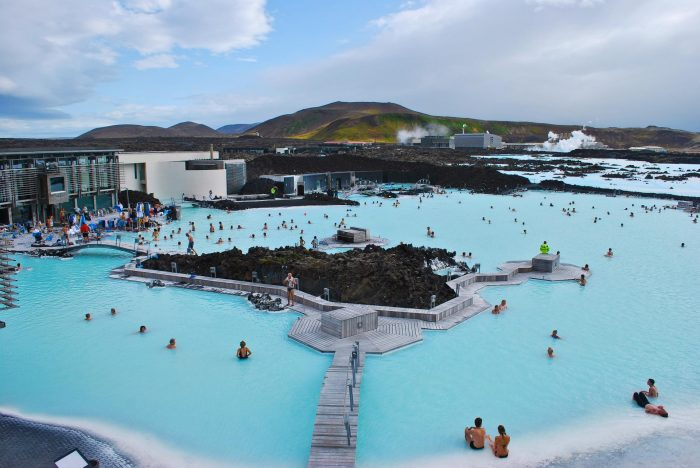 Голубая лагуна в Исландии с высоты птичьего полёта