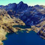 Озеро Жуклар в горах Андорры летом