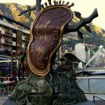 Скульптура «Благородство времени» на площади Андорры-де-ла-Велья