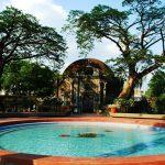 Пруд в центре Пако-парка в Маниле