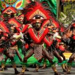 Ритуальный танец во время праздника Ати-Атихан, Филиппины