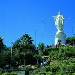 Статуя святой Девы Марии на вершине Сан-Кристобаля