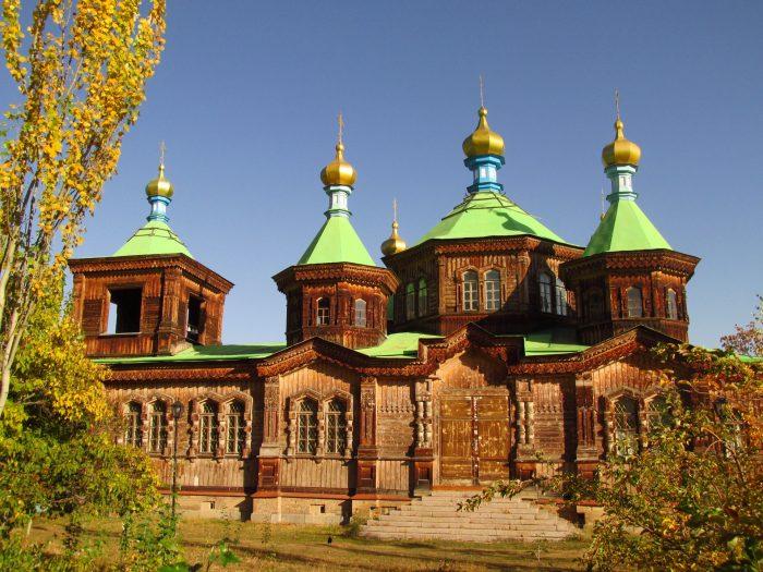 Свято-Троицкий собор в Караколе