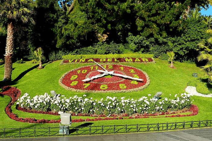 Цветочная инсталляция в ботаническом саду