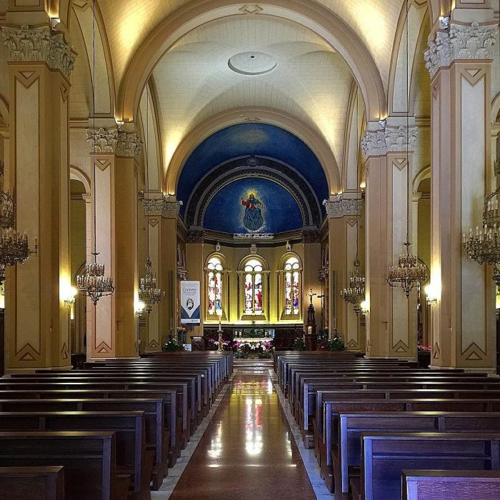Интерьер церкви святого Карла