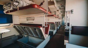 6 главных опасностей, которые подстерегают пассажира плацкартного вагона