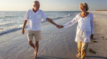 Комфортно и безопасно: 5 мест, куда можно поехать отдыхать женщине за 50