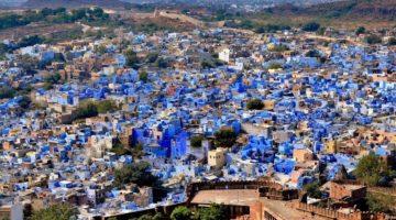 11 городов мира, созданных в одном цвете
