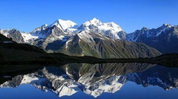 6 впечатляющих гор России, которые так и тянет покорять