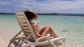 Как не попасть впросак на пляжах в разных странах: правила дресс-кода